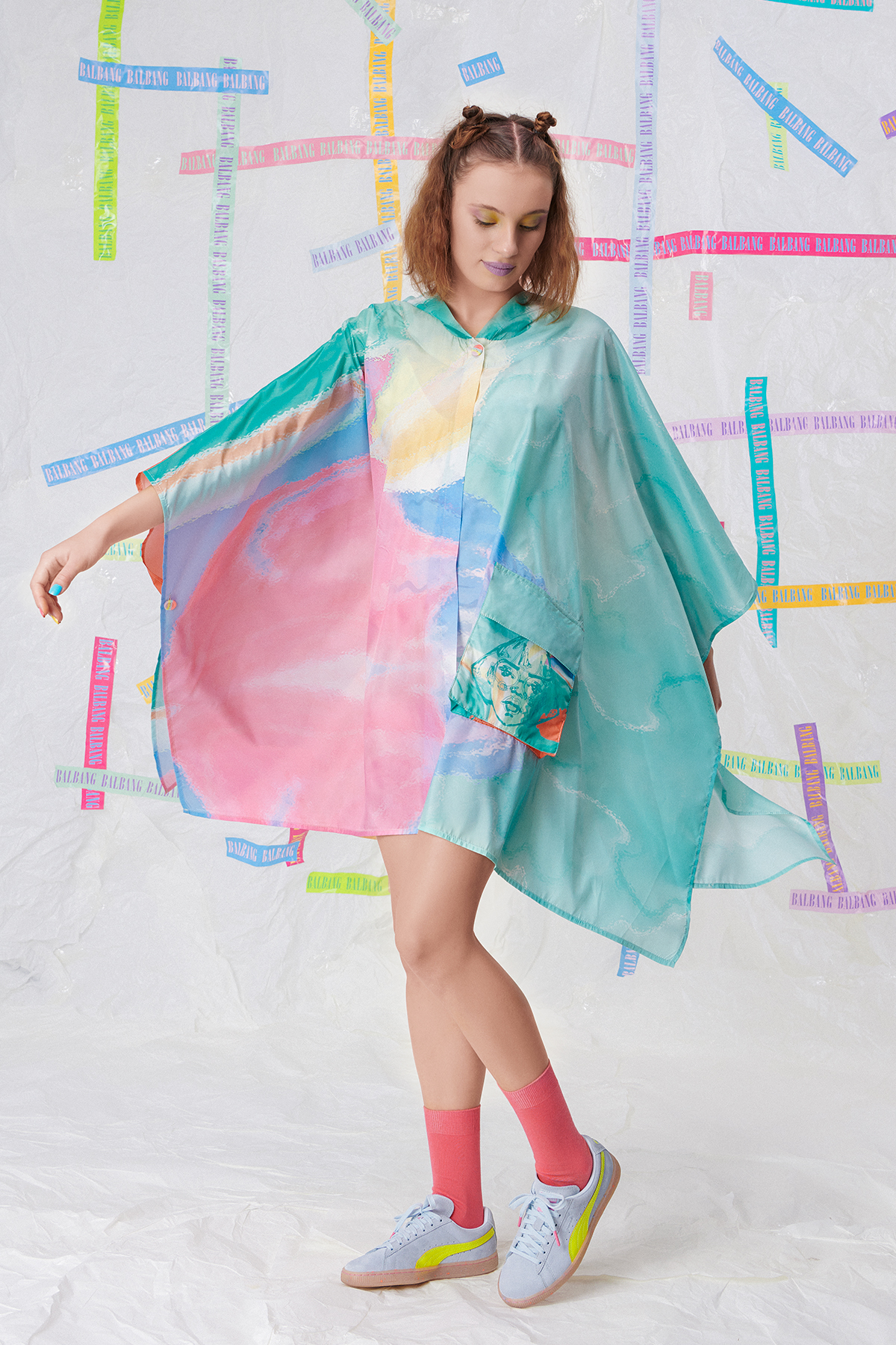 DREAM A LITTLE DREAM RAINCOAT LOOK O1