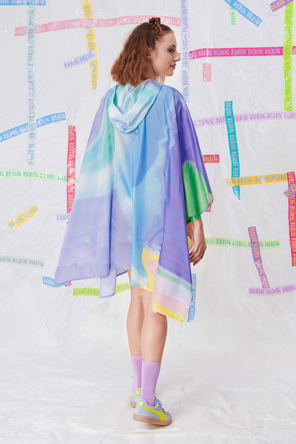 DREAM A LITTLE DREAM RAINCOAT LOOK O3